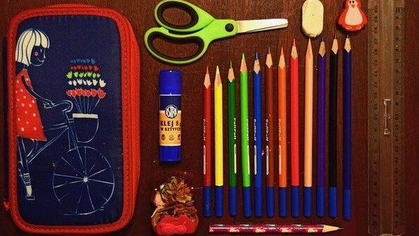 pencil-case-932143_640.jpg
